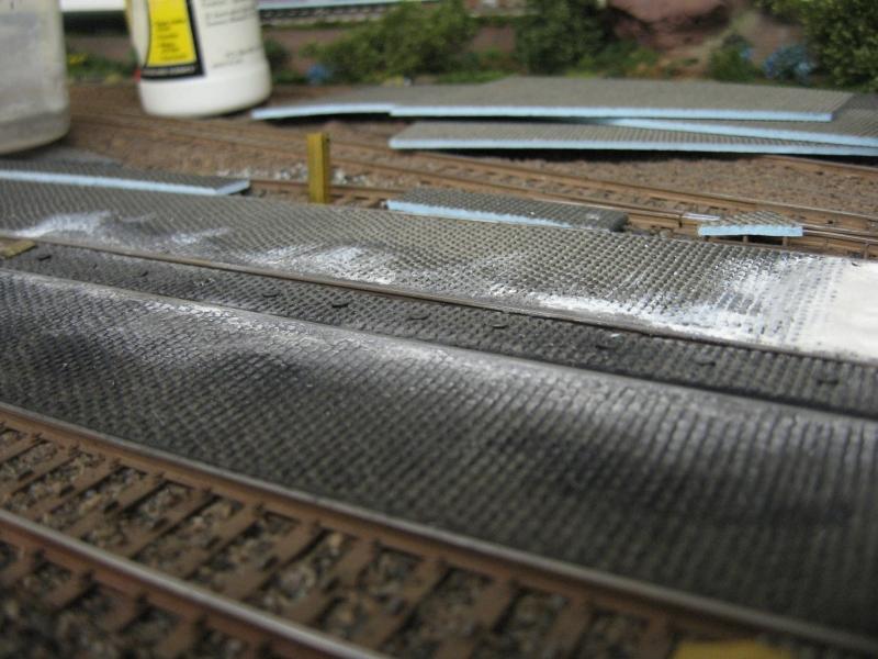 Pflastern oder Asphaltieren eines K-Gleises - Stummis Modellbahnforum